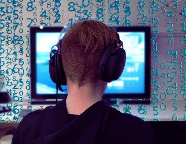 gamer-5979004_640